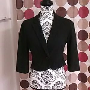 Cropped solid black blazer